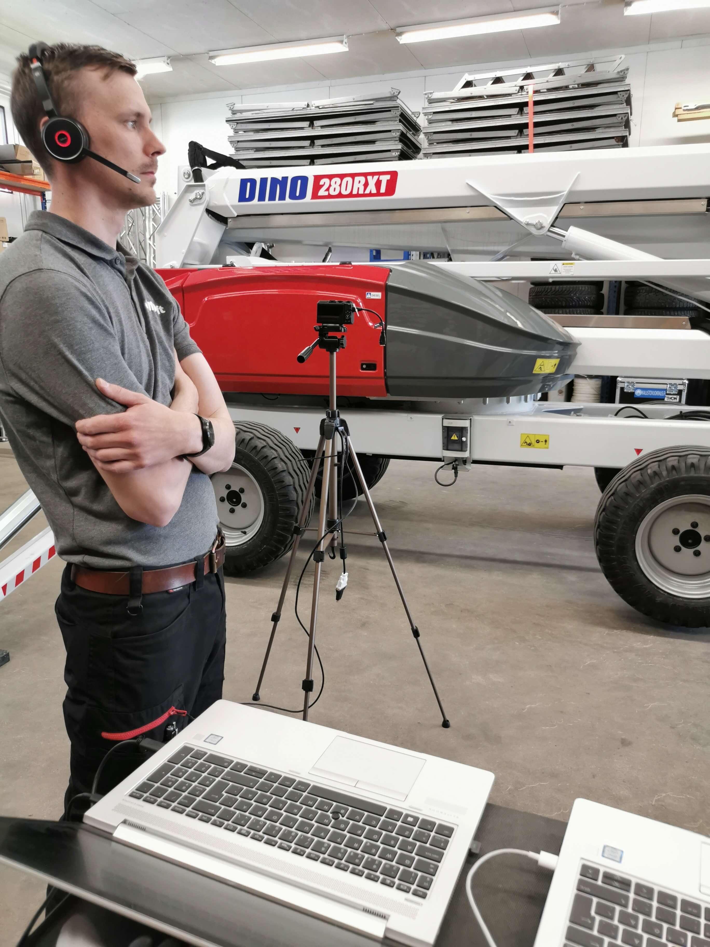 Jussi_Saarikallio_Dinolift_on_air_virtual_training