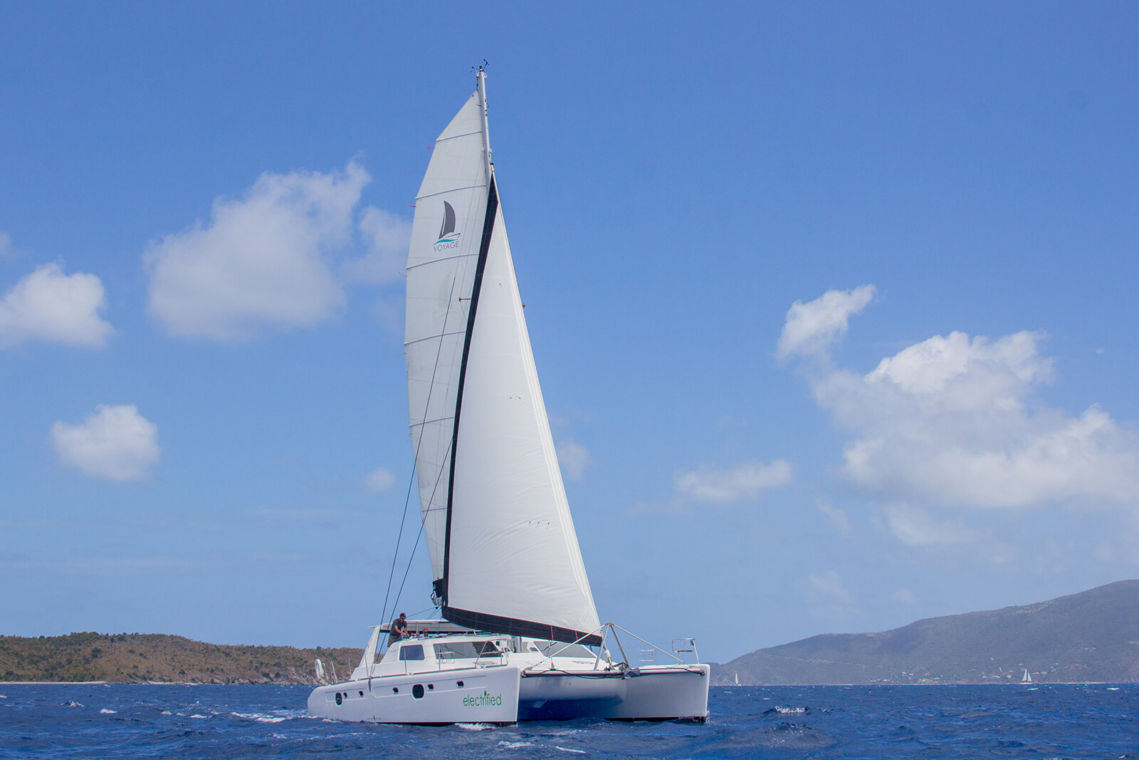 Ocenavolt_sustainable_boating_electrification_Dinolift_DINOBlog